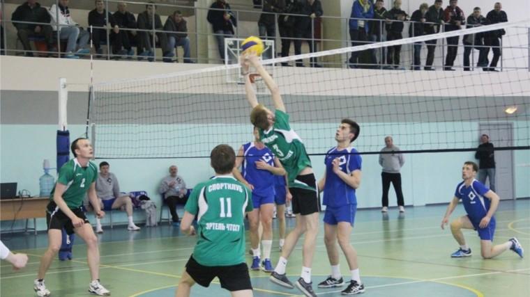 В Шумерле прошел финал чемпионата Чувашии по волейболу среди мужчин (II лига)