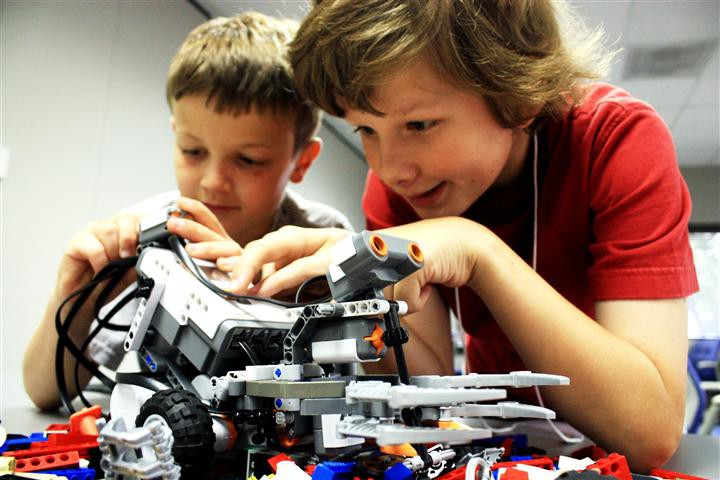 Для юных робототехников Чувашии открылся профильный лагерь \'РобоМИР\'