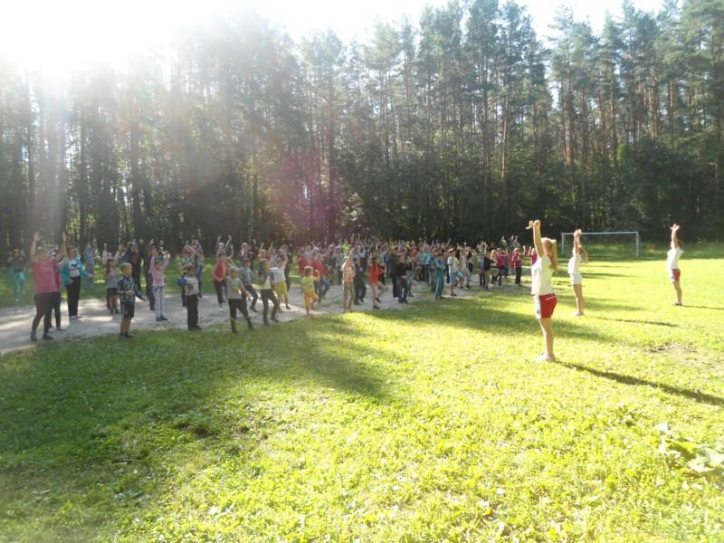 В городе Шумерля прошла «Зарядка со звездой» в МБОУ ДОД «ДООЛ Соснячок»