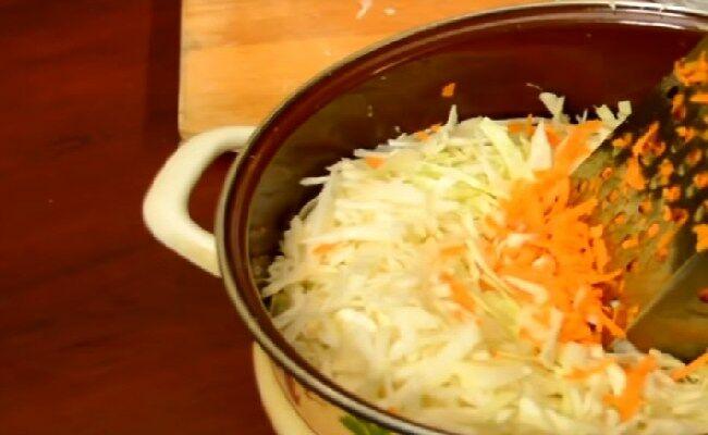 Капуста квашеная в банках: 3 очень вкусных рецепта заготовки капусты на зиму
