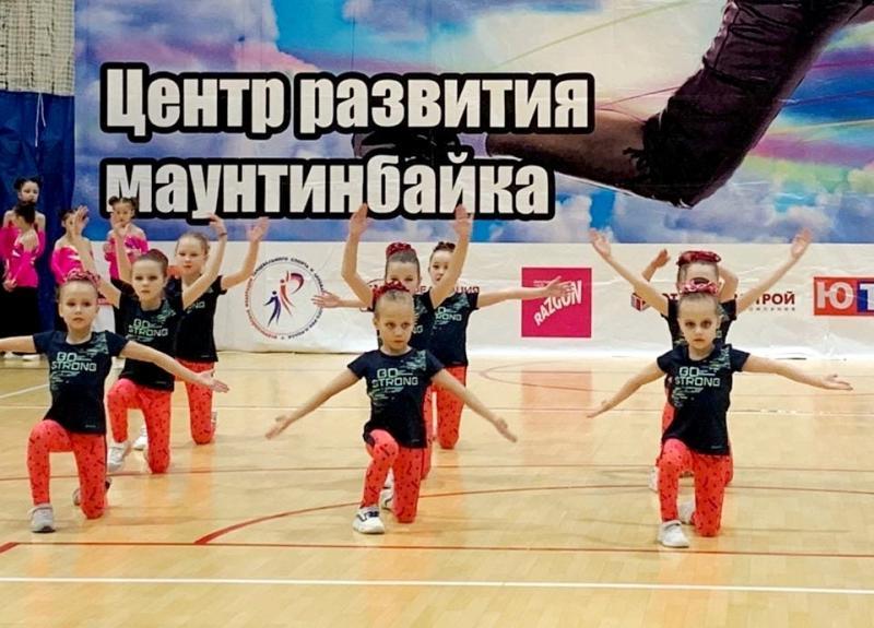 Разыграны медали Спартакиады среди школьников Чувашии по фитнес-аэробике
