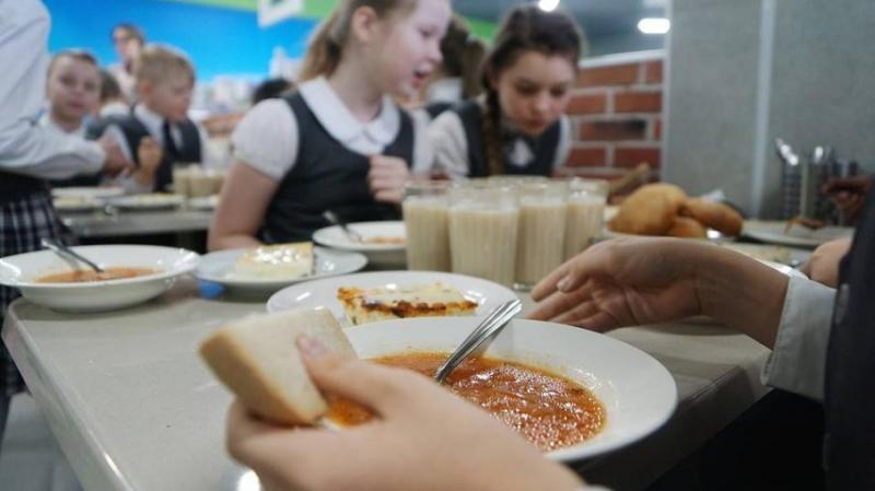В Шумерле обсудили организацию горячего питания младшеклассников