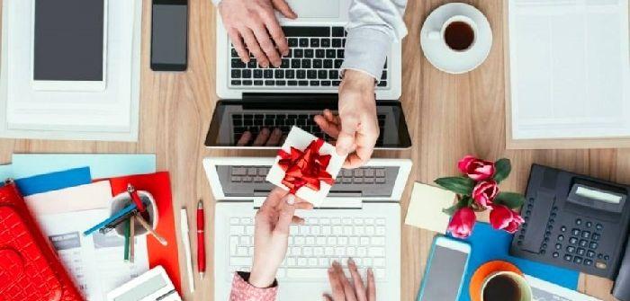 230 отличных идей подарков на 23 февраля 2020 мужчинам — коллегам по работе