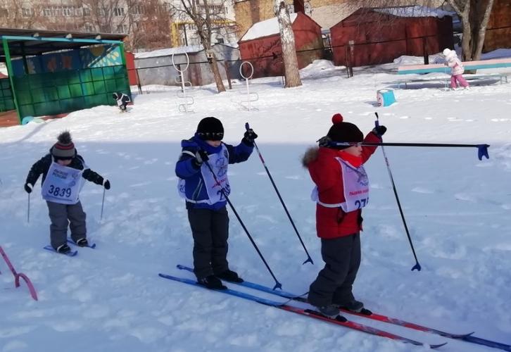 Дошкольники и обучающиеся начальных классов школ города Шумерля присоединились к Всероссийской массовой лыжной гонке «Лыжня России - 2020»