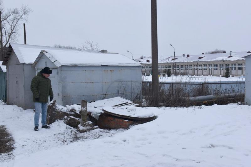 Руководство Минстроя Чувашии, администрации города и республиканские журналисты обсудили необходимость модернизации тепловых сетей в Шумерле
