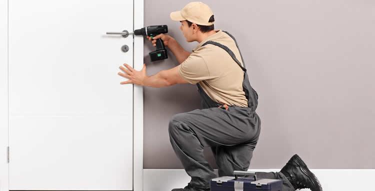 Профессиональный подход к вопросу ремонта дверного замка
